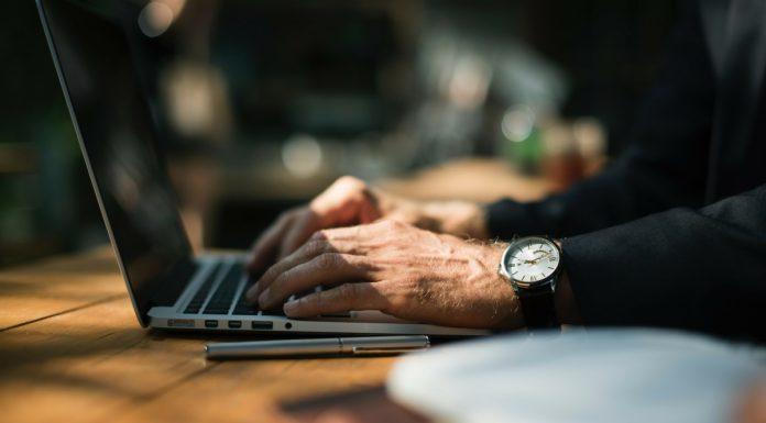 Como se Tornar um Empresário de Tecnologia Legal em Quatro Etapas