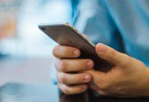 Aposentado Abre Negócio Próprio de Assistência Técnica de SmartPhones